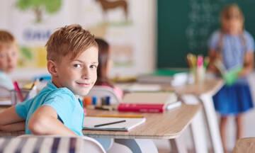 Back to school: Και φέτος, ο εμβολιασμός είναι στα… sos – Τι δεν πρέπει να παραλείπουν οι μαμάδες