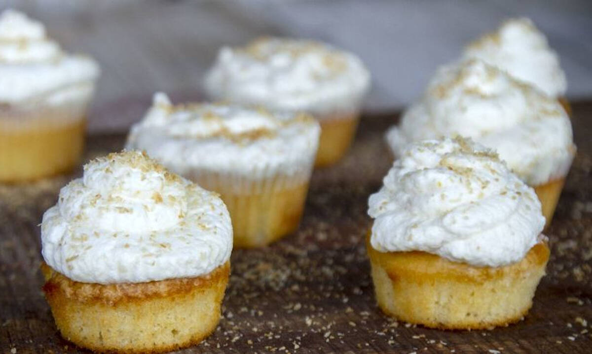 Λαχταριστά cupcakes με λεμόνι και καρύδα - Πώς θα τα φτιάξετε