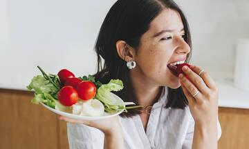 Μαμά και διατροφή: Ποιες ώρες πρέπει να τρώτε αν θέλετε να χάσετε βάρος