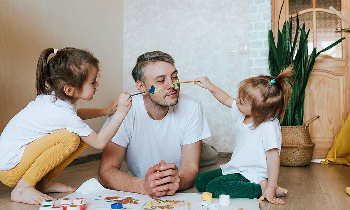 Με ποιους τρόπους ο πατέρας επηρεάζει την ανάπτυξη του παιδιού;