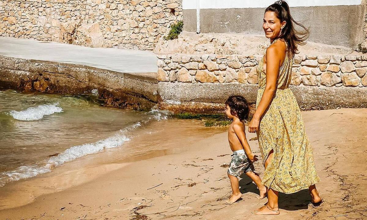 Κατερίνα Παπουτσάκη: Ο Κίμωνας παίζει στην αυλή φορώντας μπότες!