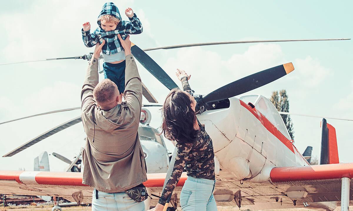 Γονείς ελικόπτερα - Τι είναι και γιατί αυξάνονται χρόνο με τον χρόνο