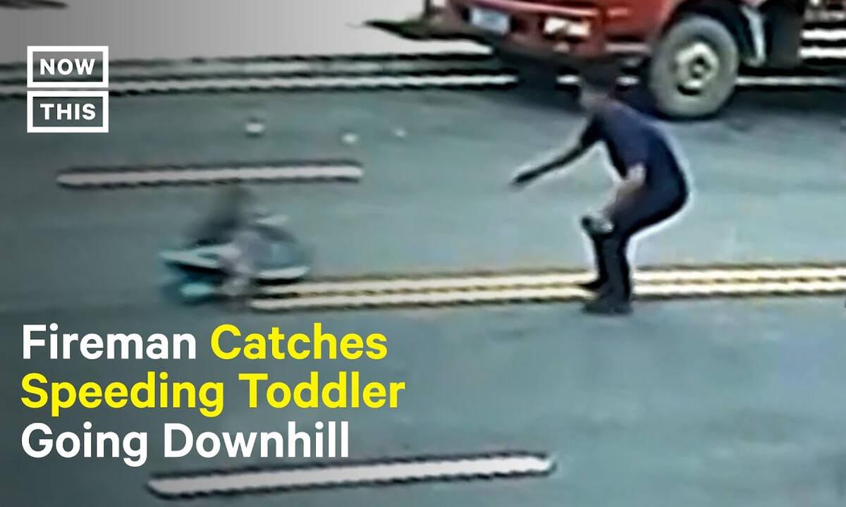Πυροσβέστης σώζει μικρό αγόρι που έχει πάρει την κατηφόρα με παιδικό αμαξάκι