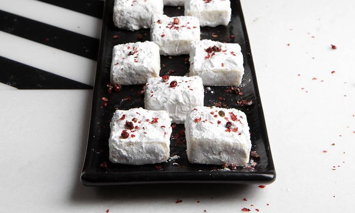 Τρούφες λευκής σοκολάτας με ροζ πιπέρι - Πώς θα τις φτιάξετε