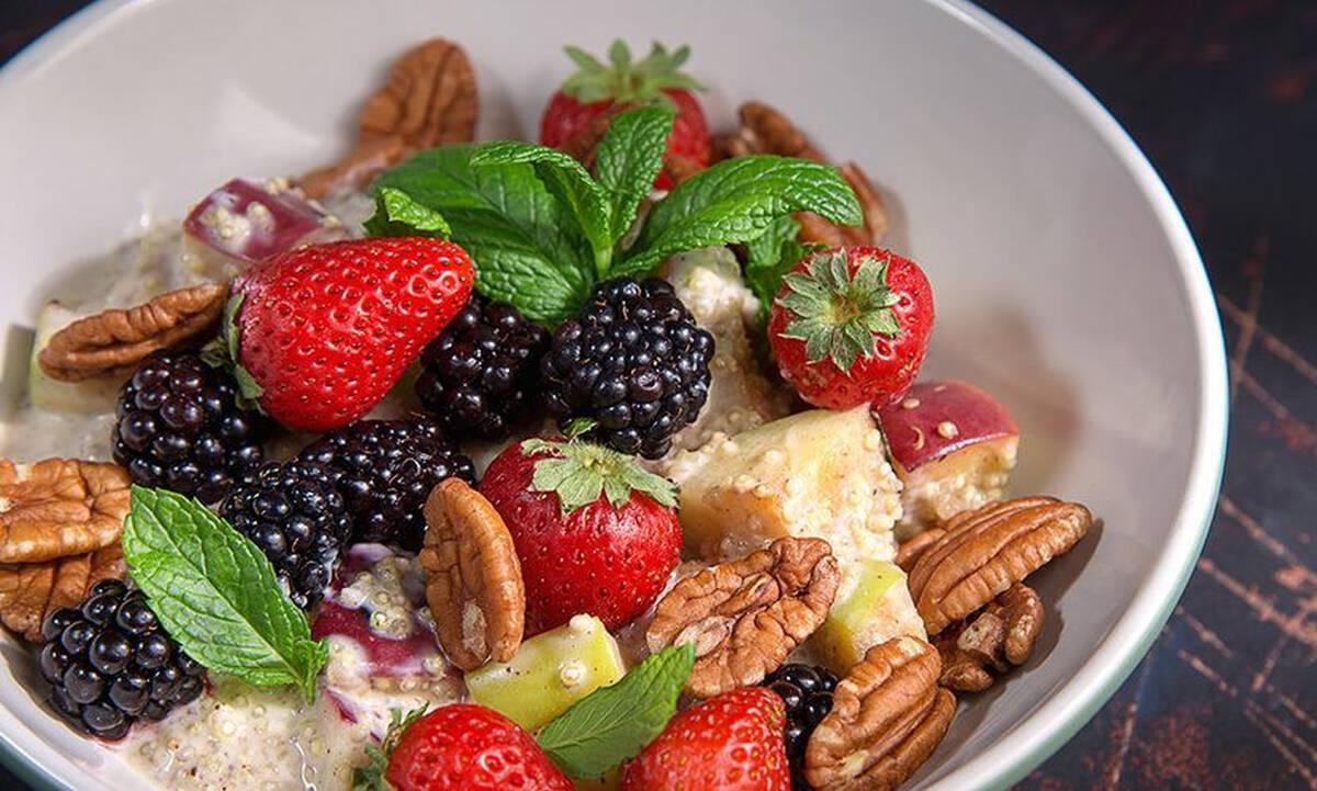 Μούσλι με κινόα - Θρεπτικό πρωινό έτοιμο σε 15 λεπτά