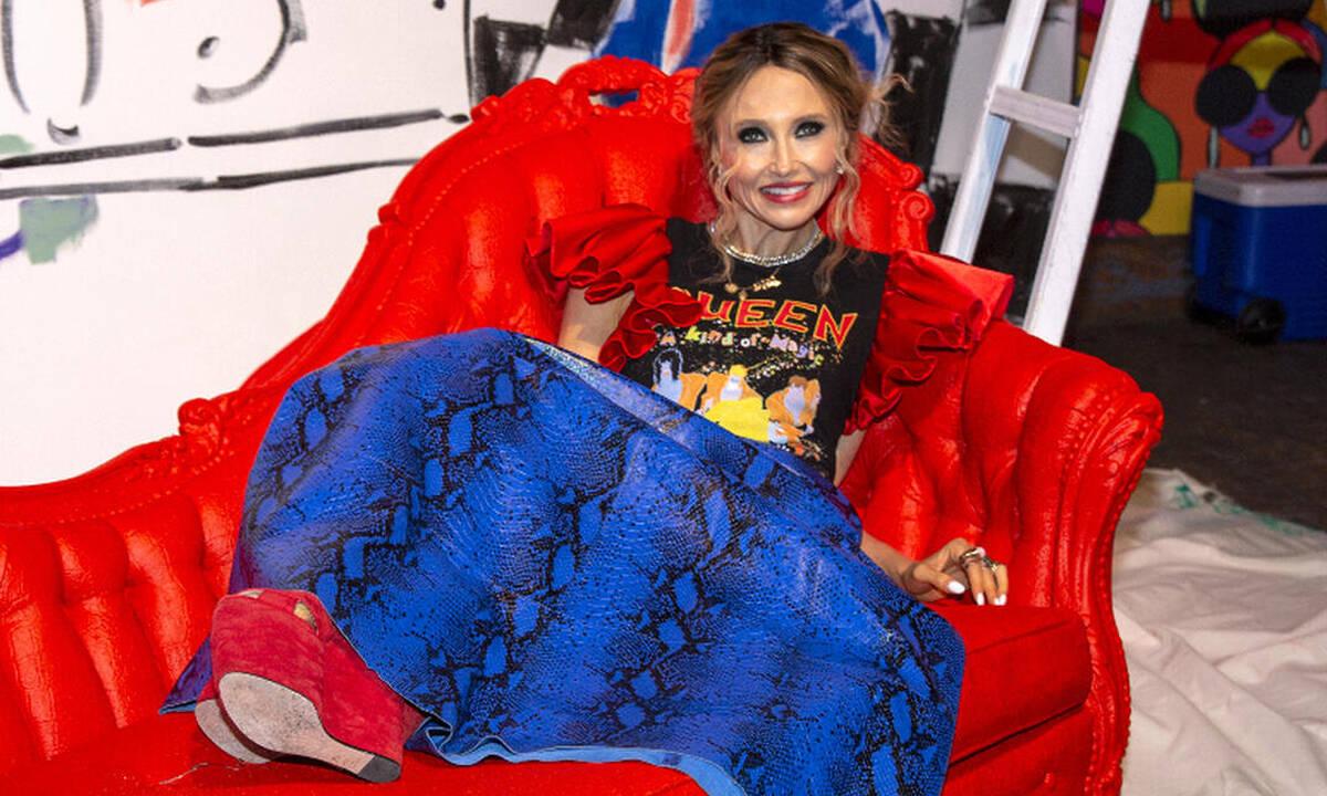 Η Stacey Bendet στο Queen.gr! Το ισχυρό empower μήνυμα πίσω από την Alice+Olivia SS22 συλλογή της