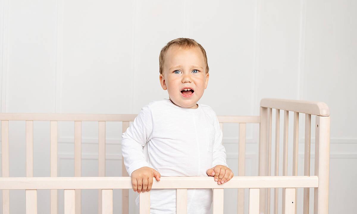 Μήπως το παιδί φοβάται την κούνια του;