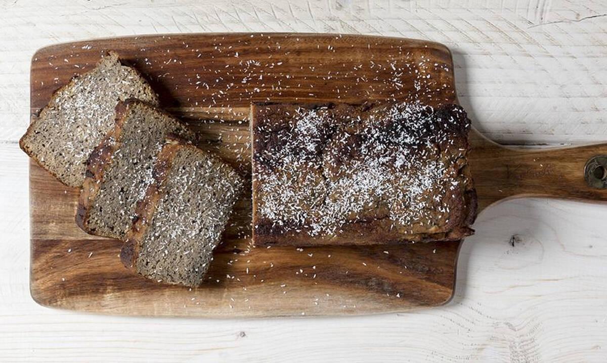 Υγιεινό κολατσιό στο σχολείο: Banana bread με αλεύρι καρύδας