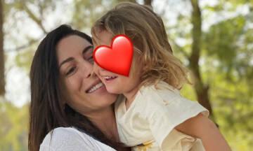 Φλορίντα Πετρουτσέλι: Μας δείχνει τι παίρνει μαζί της στο σχολείο η μικρή Μαίρη