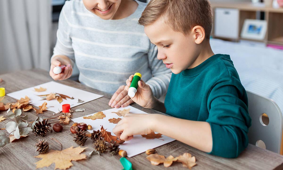 Φθινοπωρινές χειροτεχνίες για παιδιά - Τέσσερις απίθανες ιδέες (βίντεο)