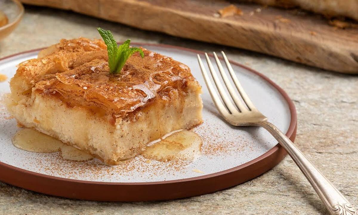 Γλυκιά τυρόπιτα με ανθότυρο και τυρί κρέμα