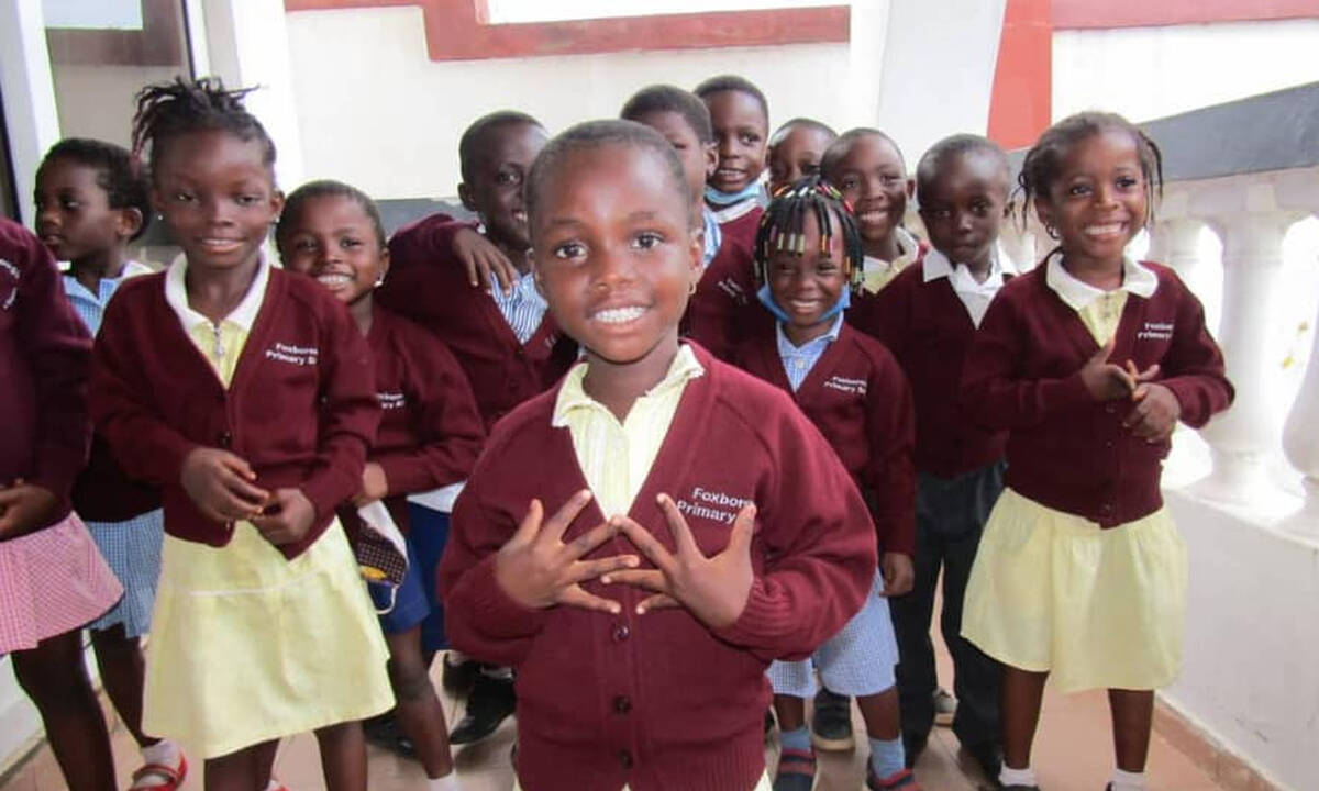 Υπέροχο βίντεο: Μαθητές σε ελληνικό σχολείο στην Γκάνα χορεύουν ποντιακά