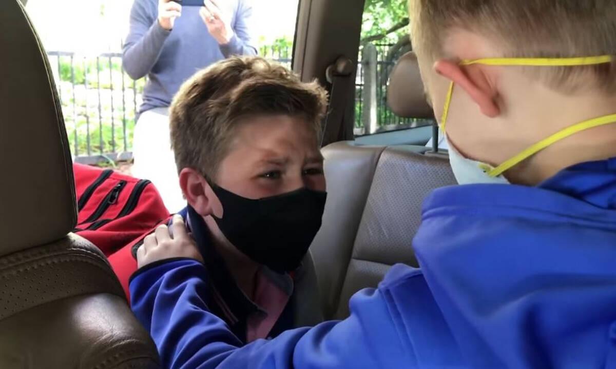11χρονοι φίλοι βρέθηκαν για πρώτη φορά μετά την πανδημία - Πώς αντέδρασαν;