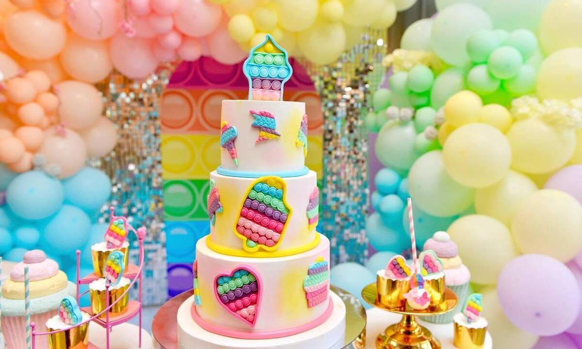 Διοργανώστε το απόλυτο pop it πάρτι για τα παιδιά σας
