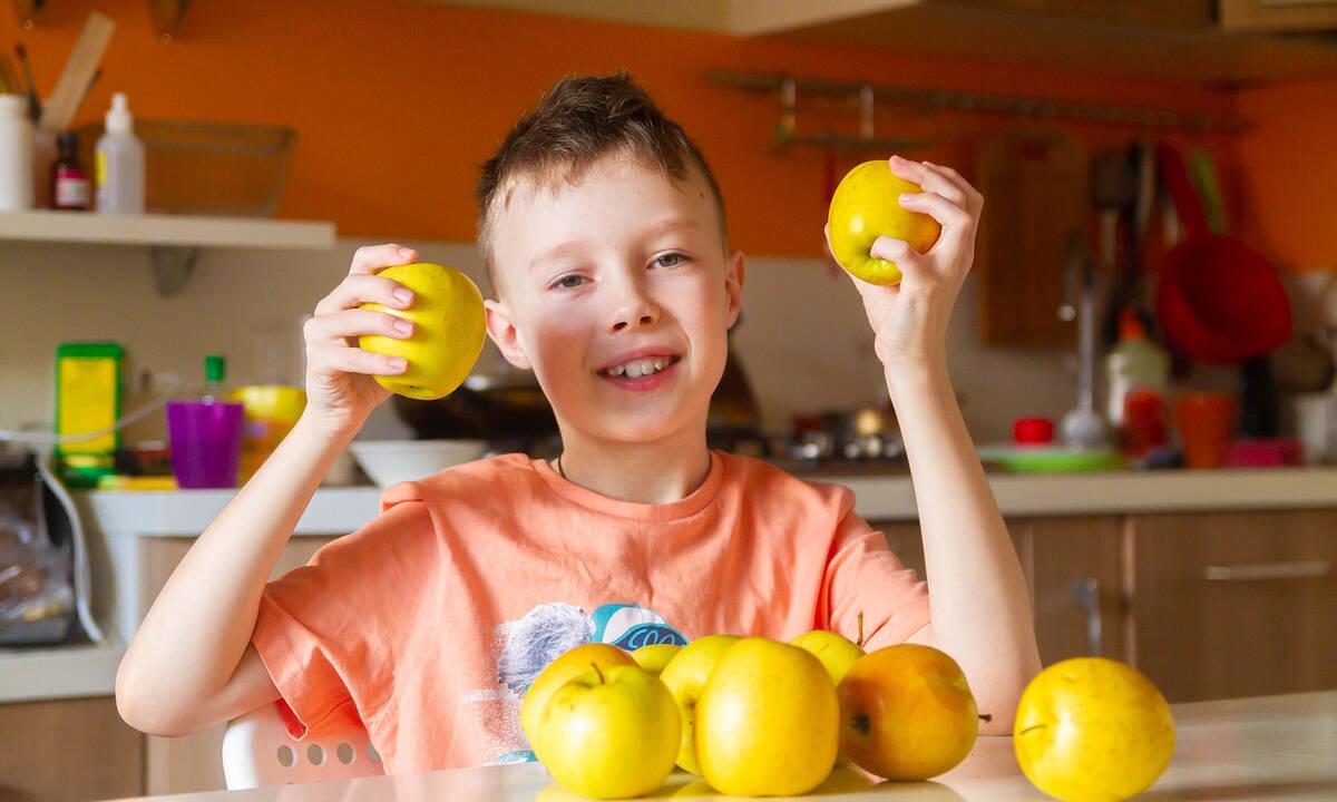 Δραστηριότητες για παιδιά: Διασκεδαστικά πειράματα με φρούτα (vid)
