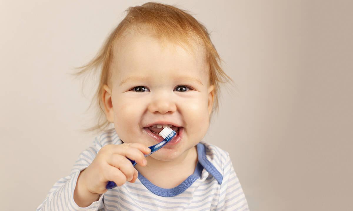 Έξι μύθοι για τα δόντια του μωρού