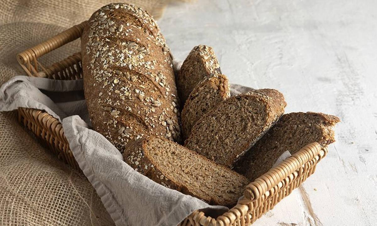 Εύκολη συνταγή για πολύσπορο ψωμί ολικής άλεσης