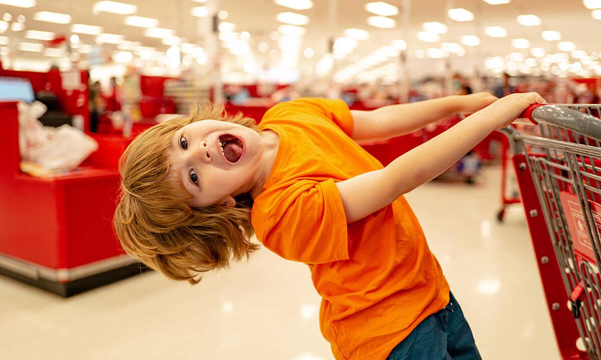 Πώς να αντιμετωπίσετε τα ξεσπάσματα του παιδιού στο σούπερ μάρκετ