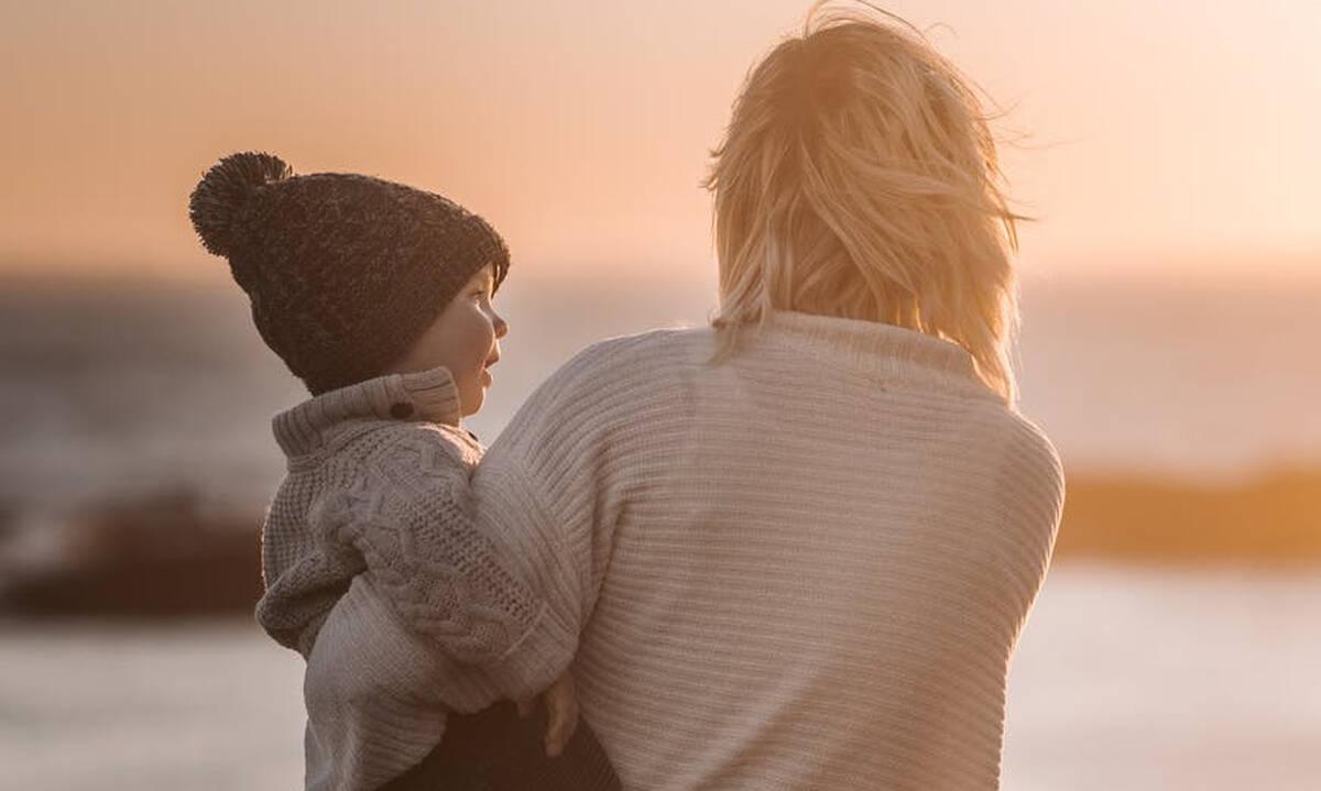 Η μητρότητα είναι πιο κοπιαστική από κάθε άλλη εργασία για έναν απλό λόγο