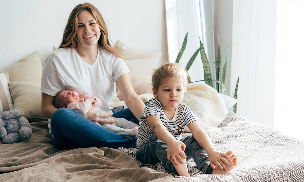 Αγαπητή μαμά που έχεις δύο παιδιά: Όλα θα γίνουν πιο εύκολα πριν το αντιληφθείς
