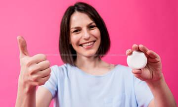 Tips για μαμάδες: Επτά άγνωστες χρήσεις του οδοντικού νήματος