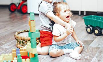 Πρέπει να πιέζετε το παιδί να μοιράζεται τα παιχνίδια του;