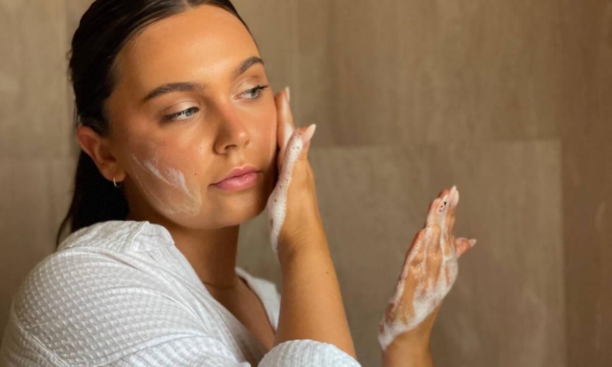 10 καθαριστικά προσώπου για τέλειο δέρμα κάθε μέρα