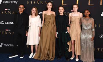 Μαμά έξι παιδιών: Η Angelina Jolie εντυπωσίασε στο κόκκινο χαλί των Eternals