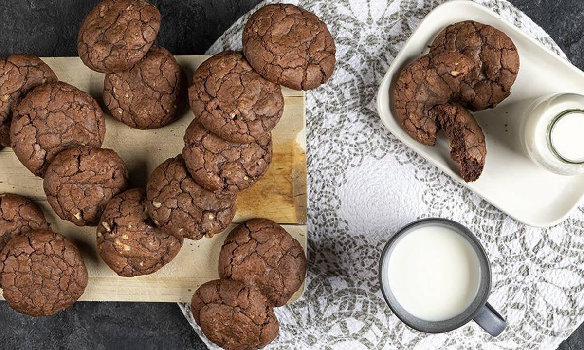 Συνταγές για παιδιά: Soft cookies σοκολάτας έτοιμα σε 30 λεπτά