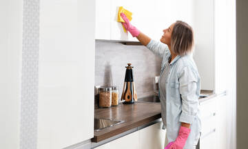 Πέντε tips για το γρήγορο και αποτελεσματικό καθάρισμα της κουζίνας