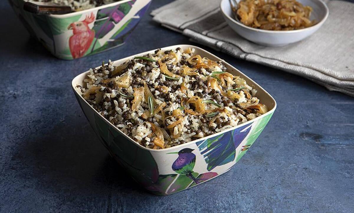 Φακόρυζο με καραμελωμένα κρεμμύδια - Θρεπτικό και ιδιαίτερο φαγητό